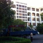 Chuyển trang thiết bị cho viện Pasteur Nha Trang