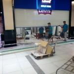 Tháo dỡ , vận chuyển shop thời trang levi's Big C Nha Trang